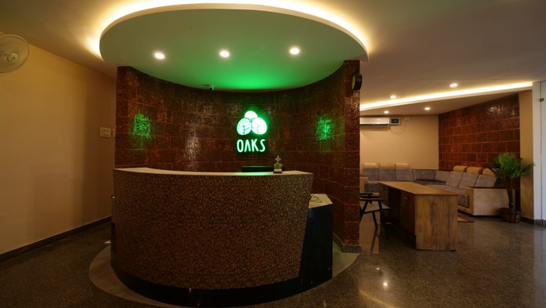 Oaks Lobby