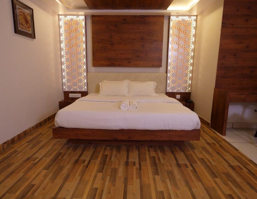 Oaks Residency Room